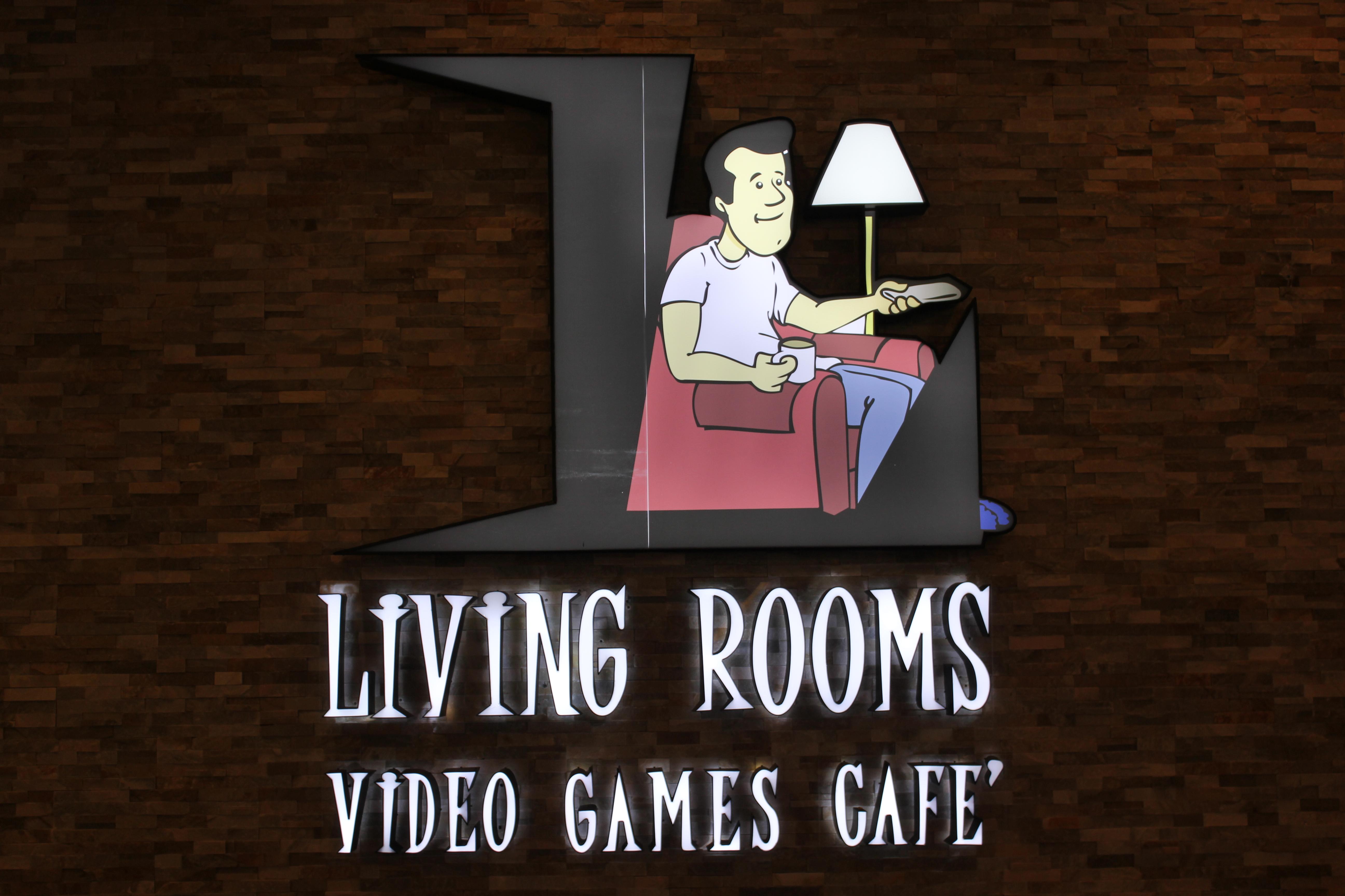 First Kuwaiti Impression : The Living Room , Dubai | Q8Dreamers